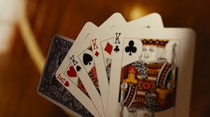 GoldenSlot คาสิโนออนไลน์ พาไปรู้จักเกมเก่าแก่ Three card poker
